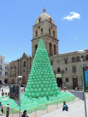 Plaza San francisco, arbre de noël davant la cathédrale jpg